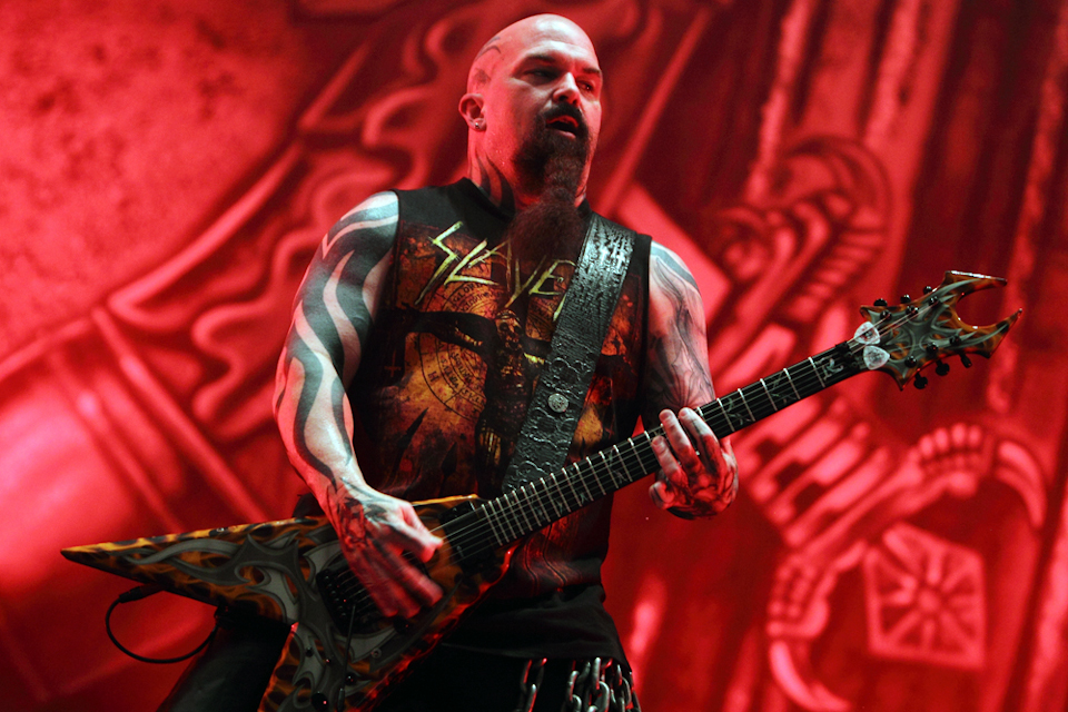 Slayer performing Reign in Blood