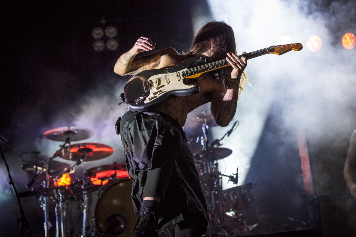 Watch Biffy Clyro Play New Track Quot On A Bang Quot At Last Month
