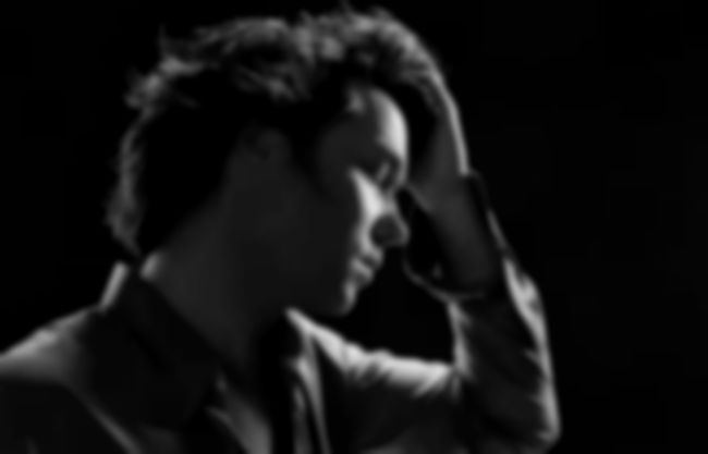 Album Stream: Rufus Wainwright – Out Of The Game