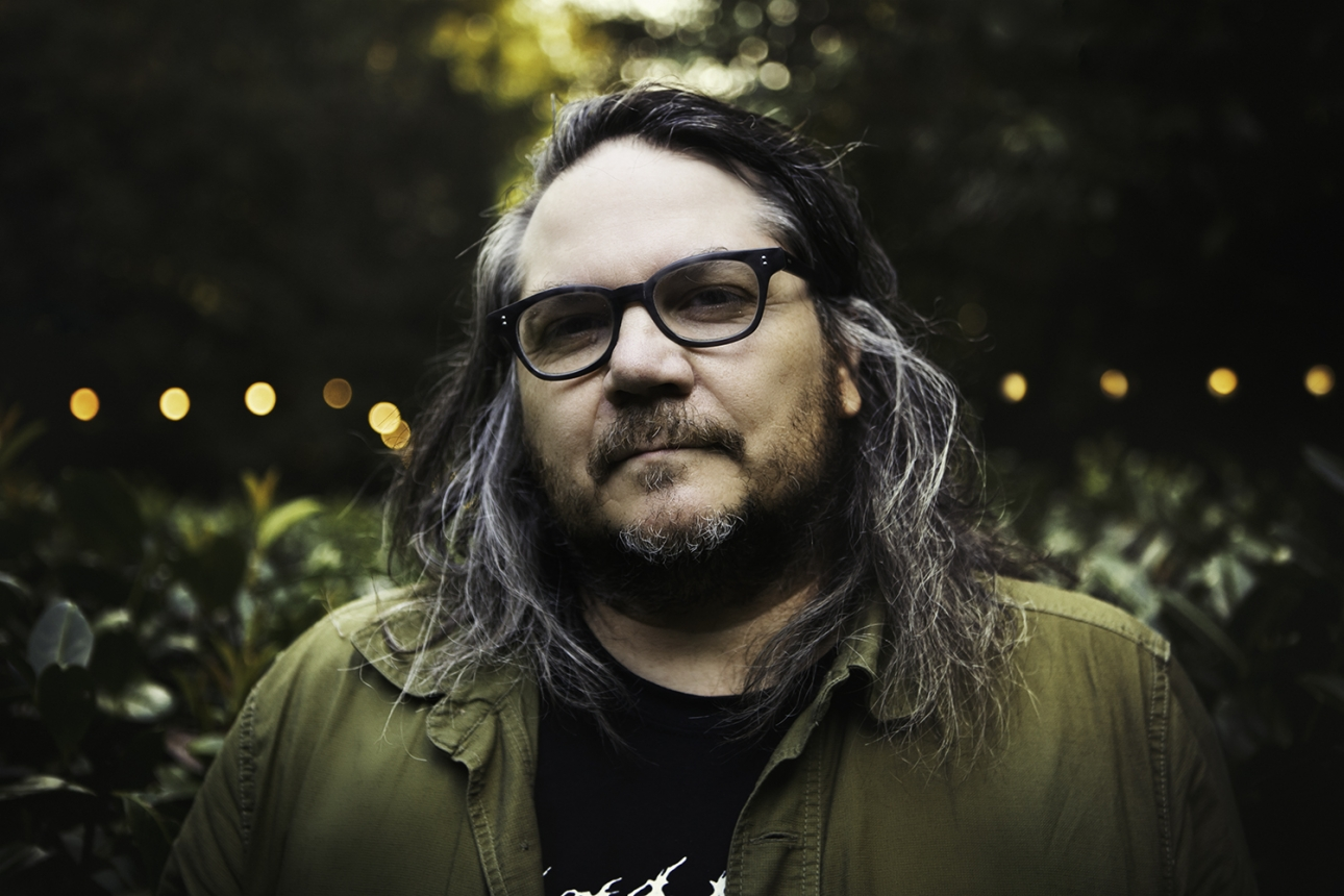 "Chicago home of Wilco's Jeff Tweedy shot ""seven to 10"" times while family slept"