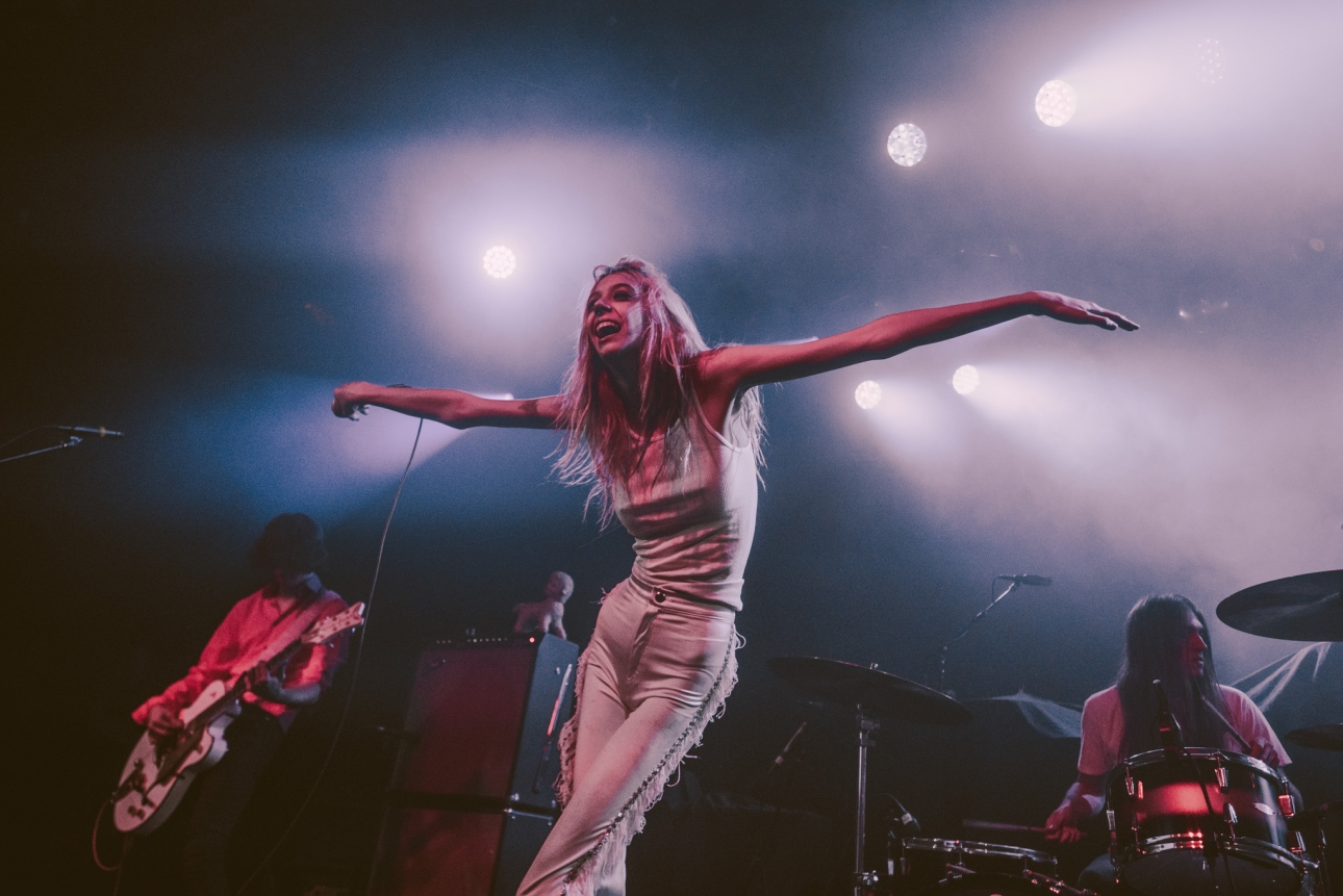 "Starcrawler announce second album with lead single ""Bet My Brains"""