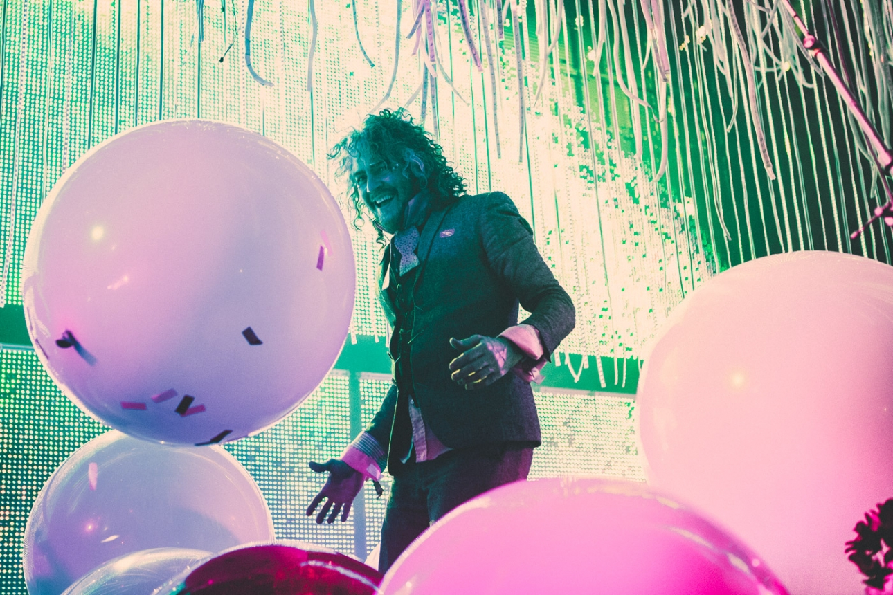 "The Flaming Lips and Deap Vally unite as Deap Lips with debut track ""Hope Hell High"""