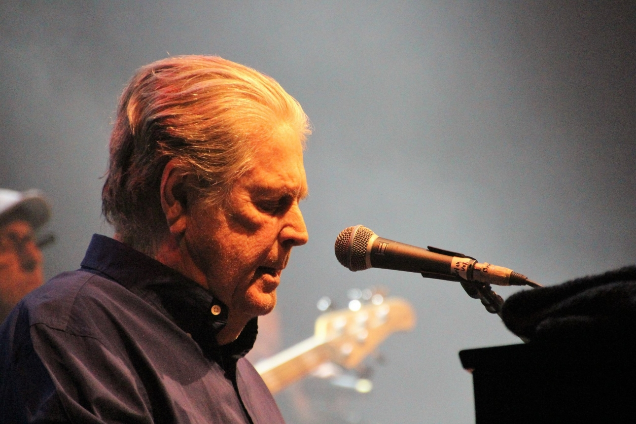 """Brian Wilson cancels tour dates in new letter revealing he's """"mentally insecure"""""""