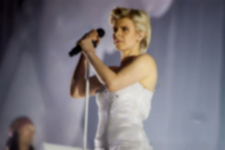 Robyn returns to London's Alexandra Palace with a thumping and powerful performance