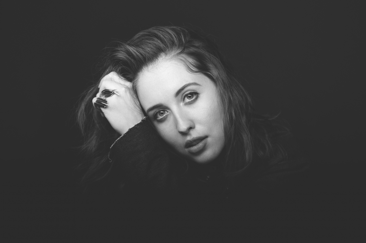 jewish singles in merton Alice merton (born 13 september 1993) is a german-canadian-english singer and songwriter merton achieved mainstream success with her debut single, no roots, a number one single in france.