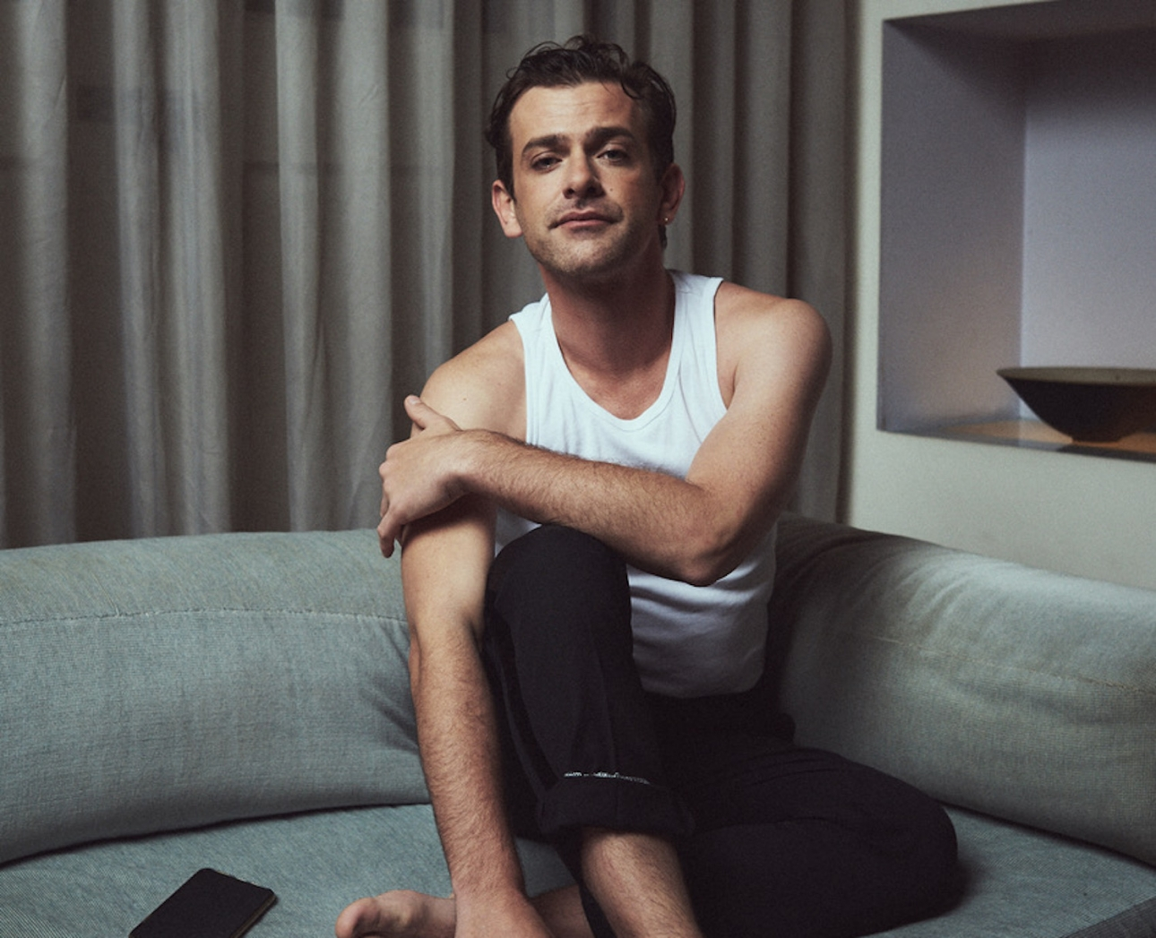 "Josef Salvat shares two more tracks ""in the afternoon"" and ""playground love"""