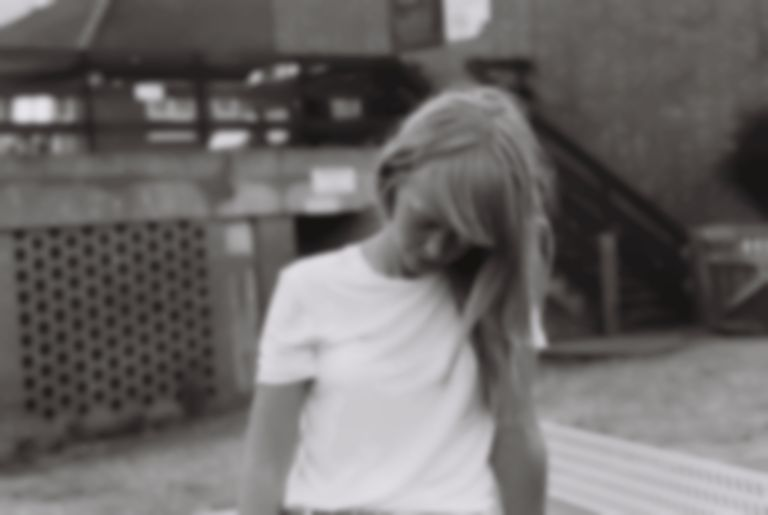 "Lucy Rose unveils delicate new single ""Solo(w)"""