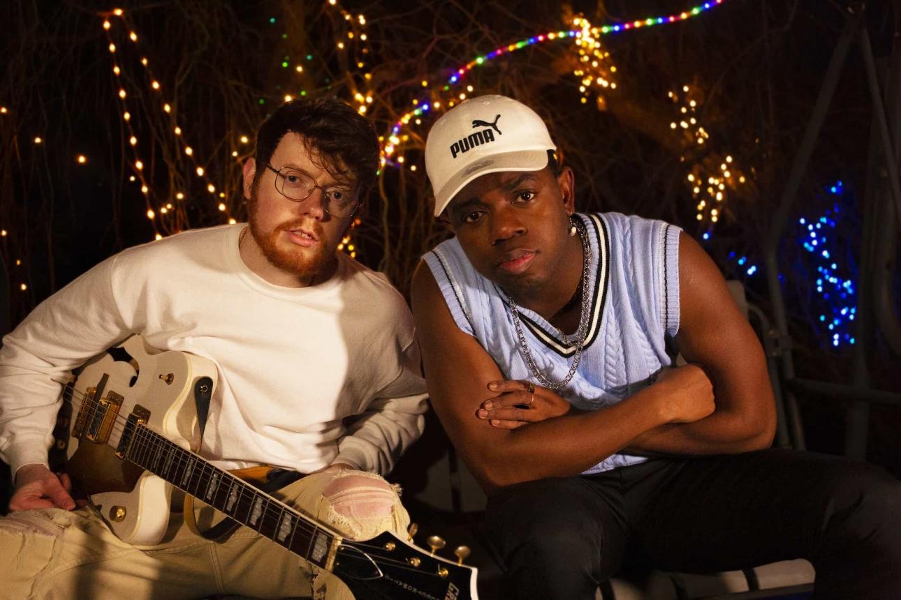 Ирландия Tebi Rex выпускает еще одну альтернативную хип-хоп музыку с песней «Oh It Hurts»