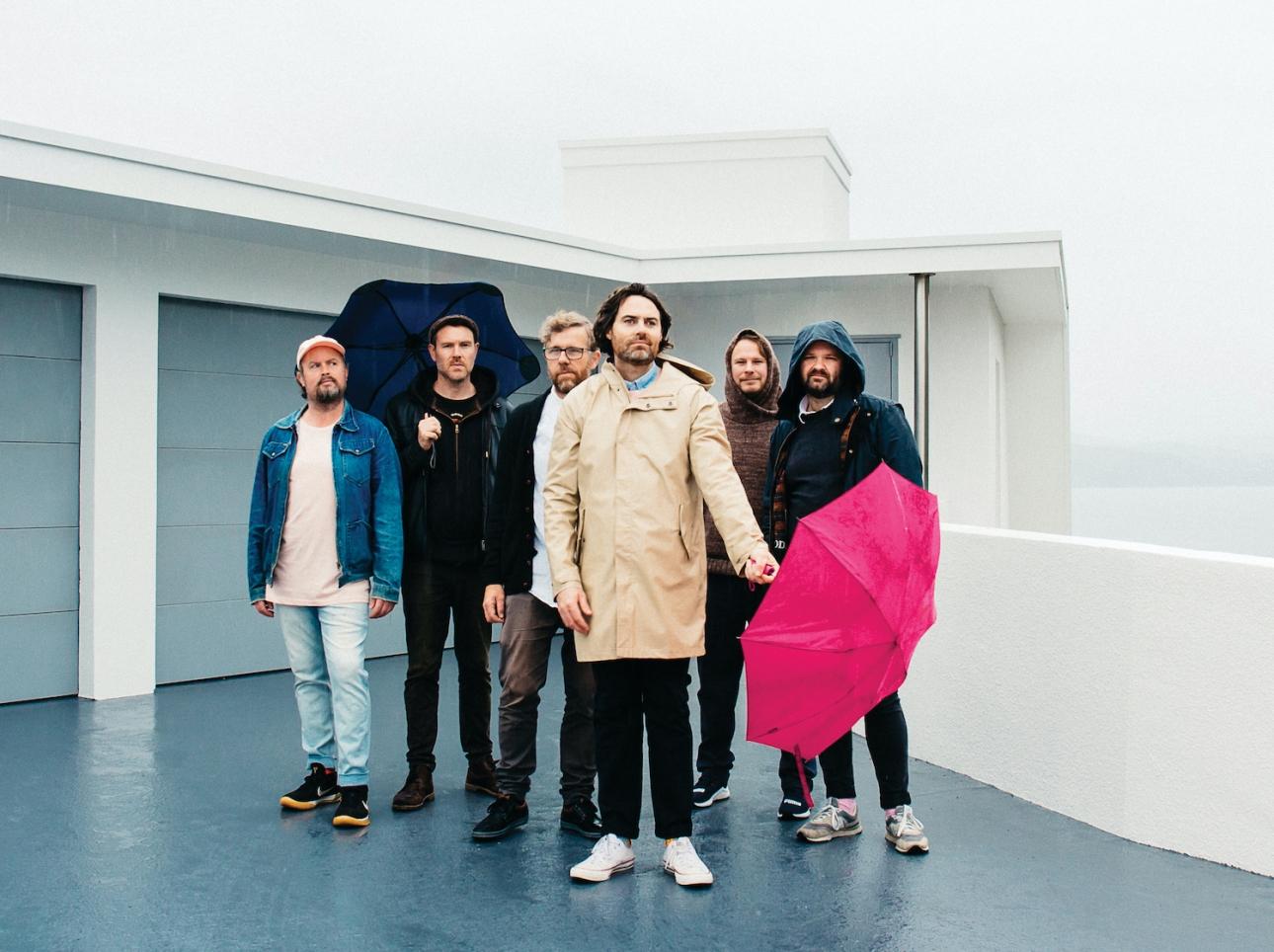 Команда Phoenix Foundation и Fazerdaze записывают новый трек «Beside Yourself»