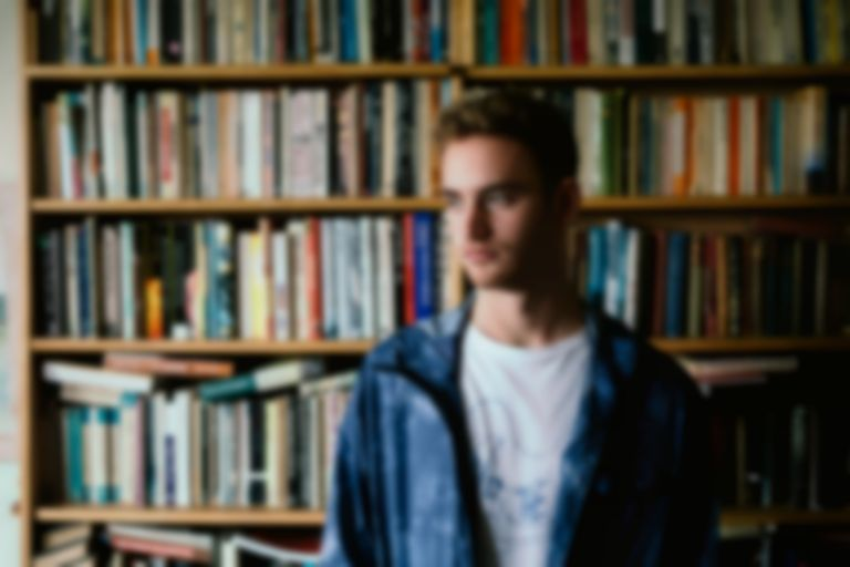 "Tom Misch drops new Beat Tape 2 single ""Wander With Me"" featuring Carmody"