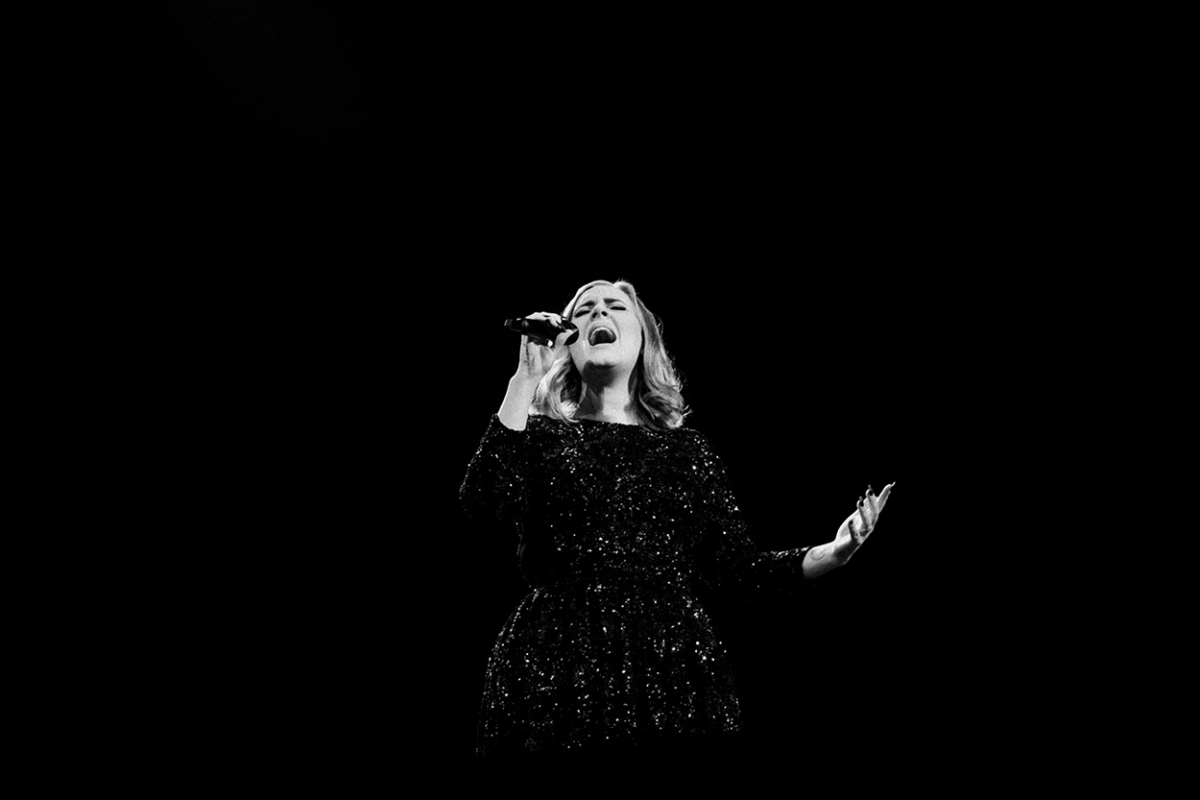 """Alan Carr has heard some of the tracks from Adele's new album, says it's """"so amazing"""""""