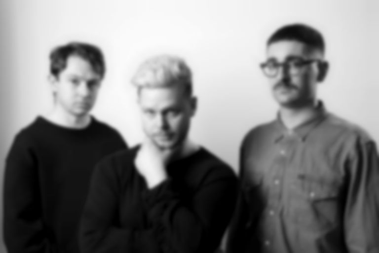 "alt-J detail third album Relaxer, release new single ""3WW"""