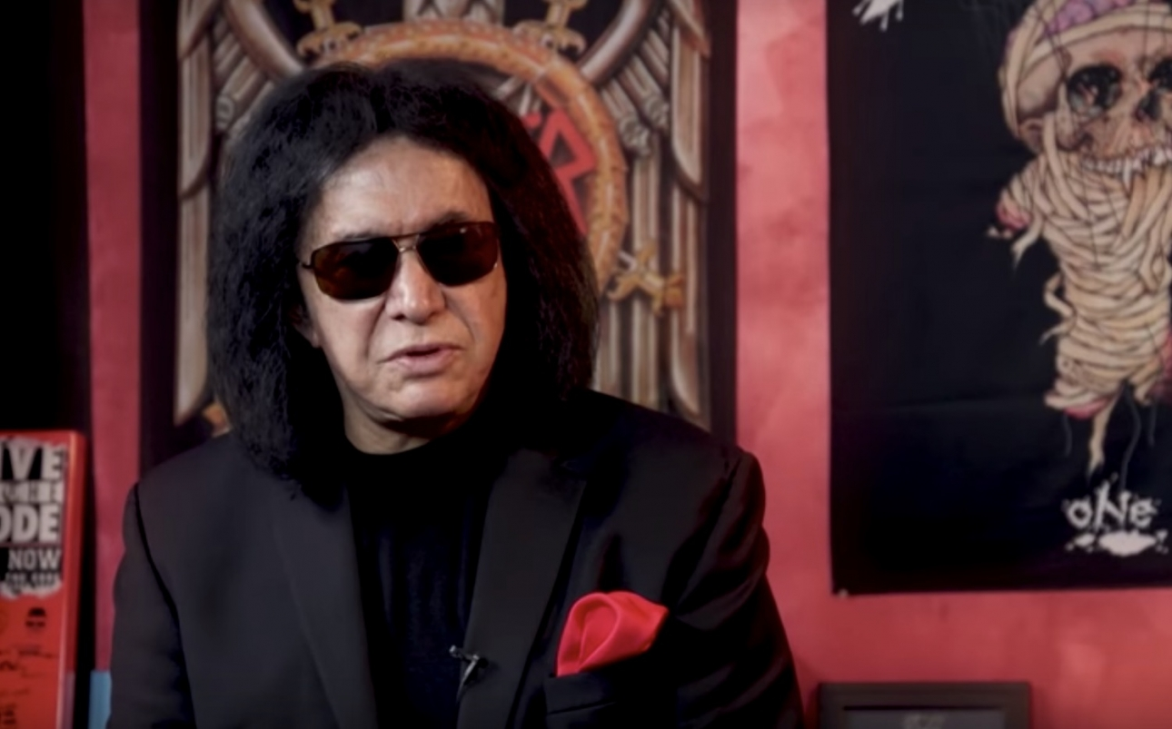 People are freaking out over Gene Simmons' weird breakfast choice