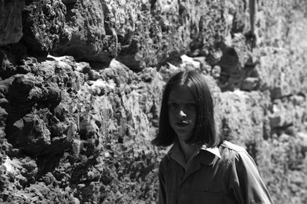 "Jacco Gardner delivers soothing psychedelia on eight-minute odyssey ""Fading Cosmos"""