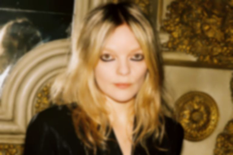 "Jessica Pratt takes flight with new lullaby ""Aeroplane"""