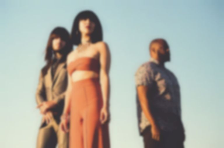 "Khruangbin detail new album Con Todo El Mundo, share lead single ""Maria También"""