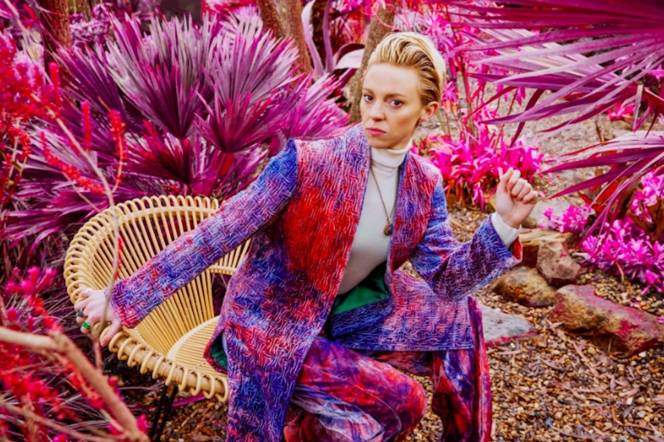 """La Roux shares cathartic breakup song """"Automatic Driver"""""""