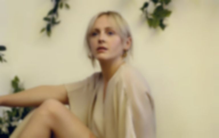 "Laura Marling reveals ""Wild Fire"", the second single from new album Semper Femina"