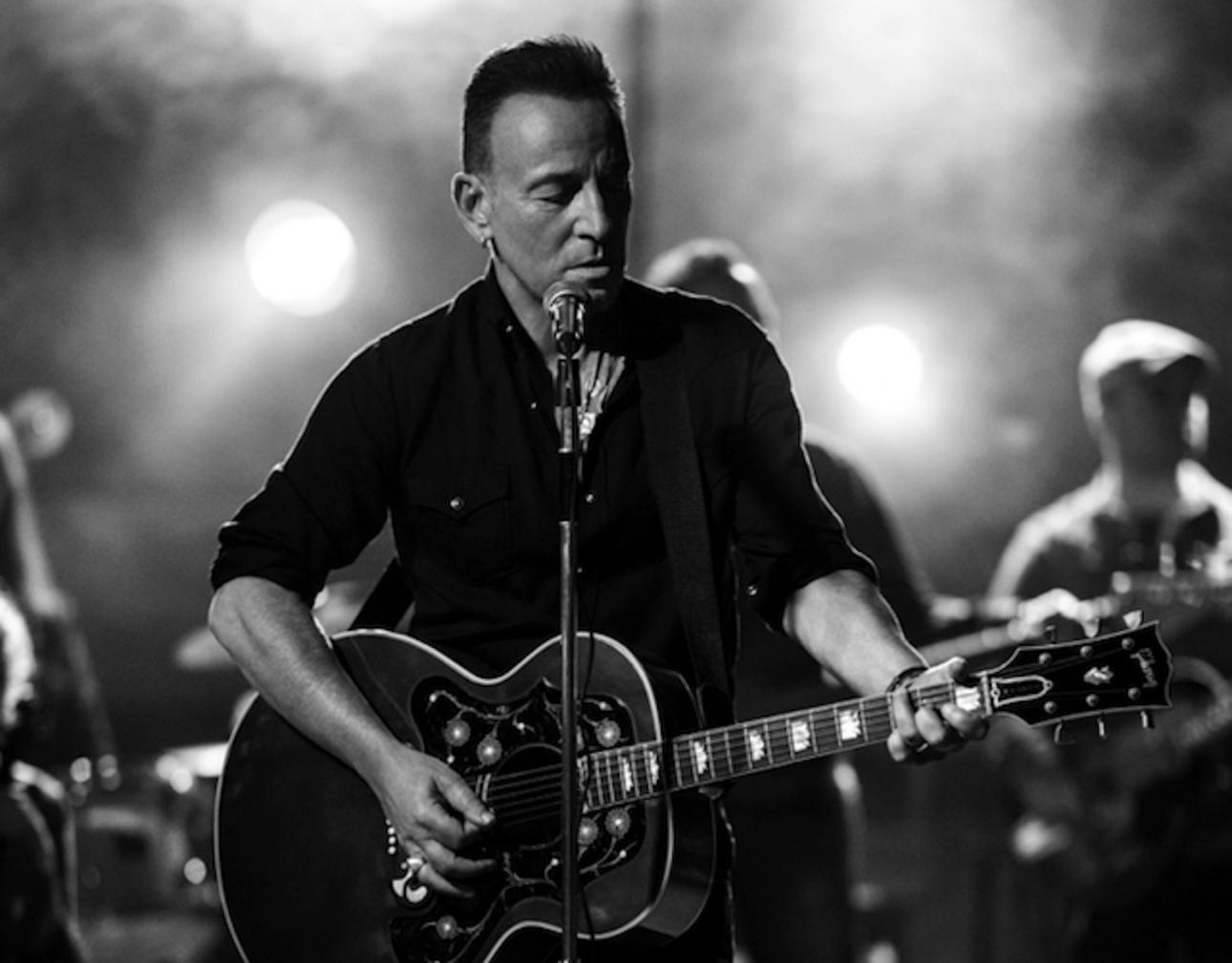 Bruce Springsteen to host SiriusXM radio show tomorrow
