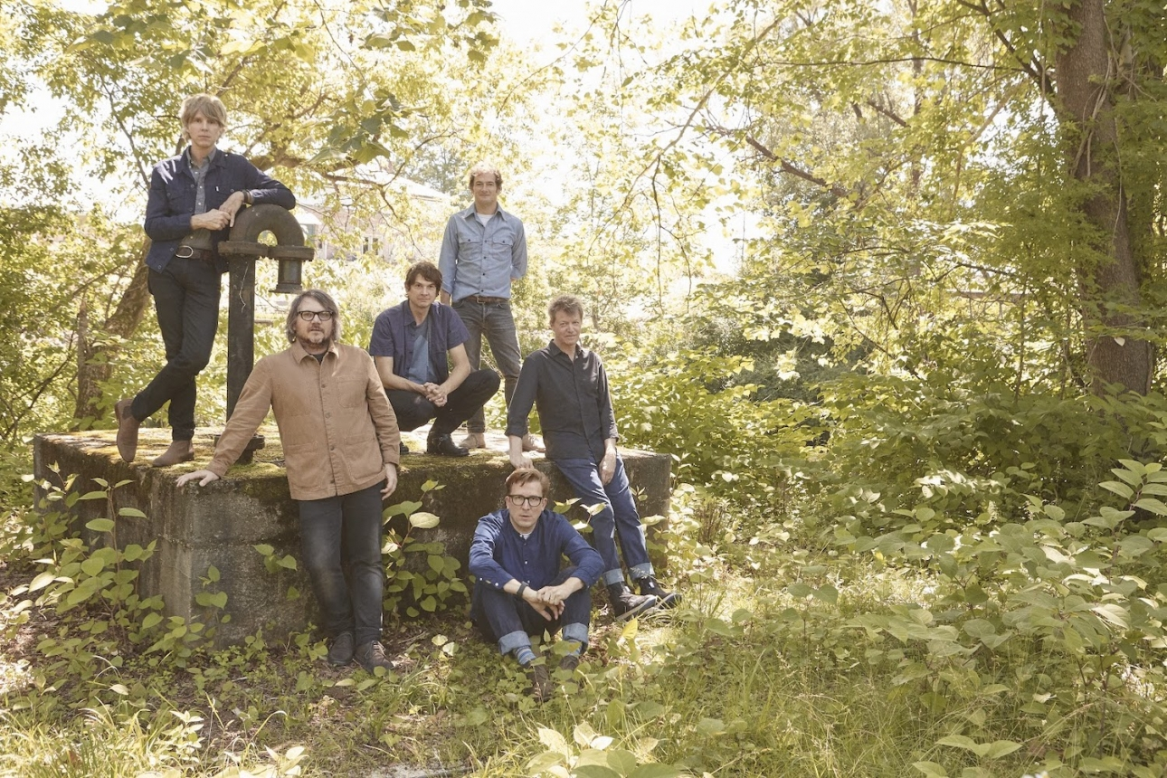 "Wilco unveil new song ""Everyone Hides"""