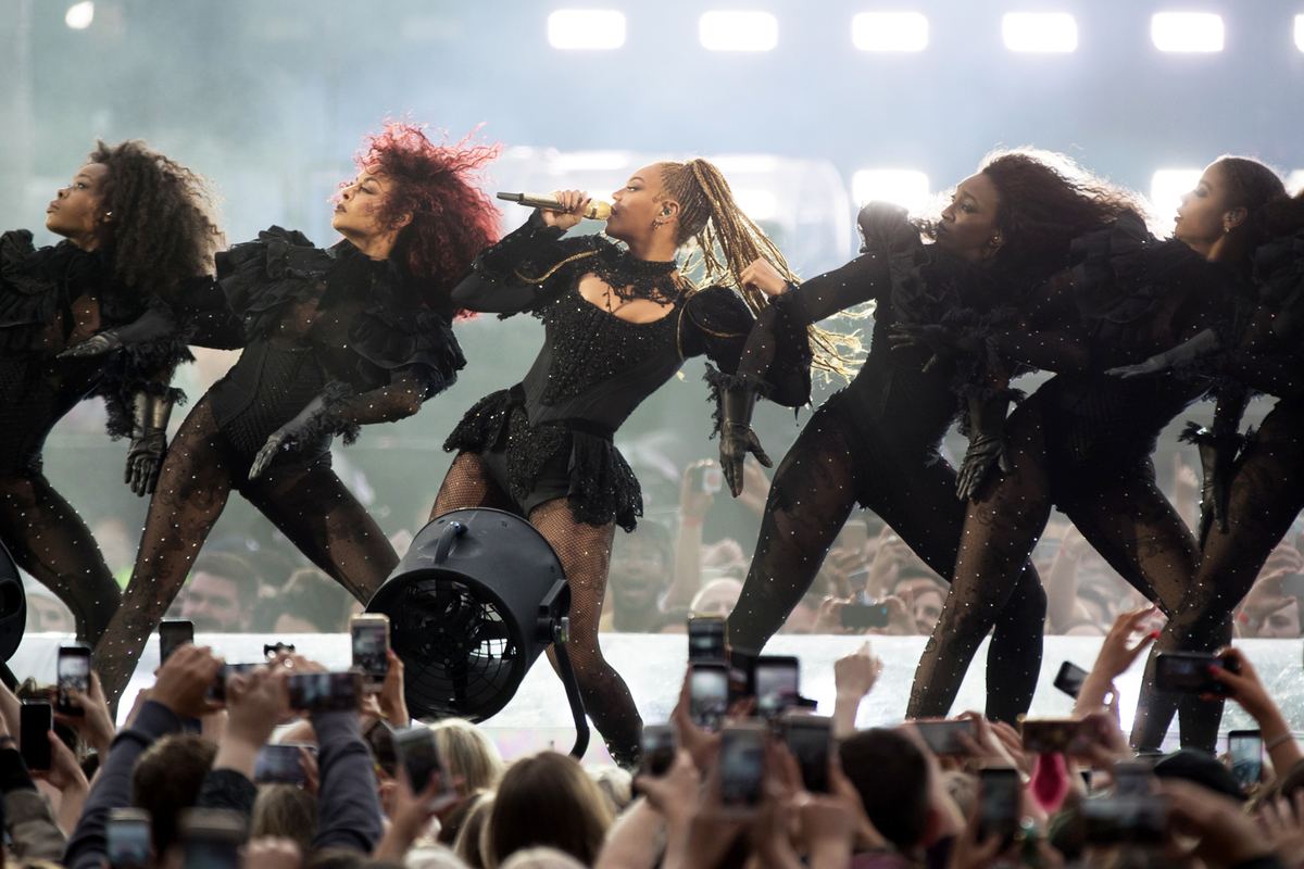 "Beyoncé says 2001 Destiny's Child interview was tiredness and ""not marijuana"""