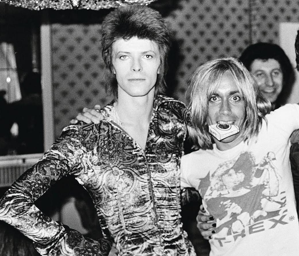 """Iggy Pop Album Covers Amazing watch iggy pop cover david bowie's """"jean genie"""" and """"tonight"""""""