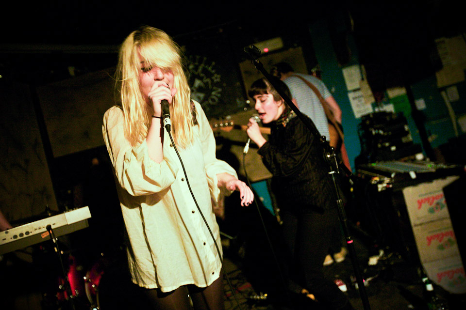 Triumph In London >> Austra w/ Daughter and Viv Albertine- The Windmill, Brixton, London 17/01/11
